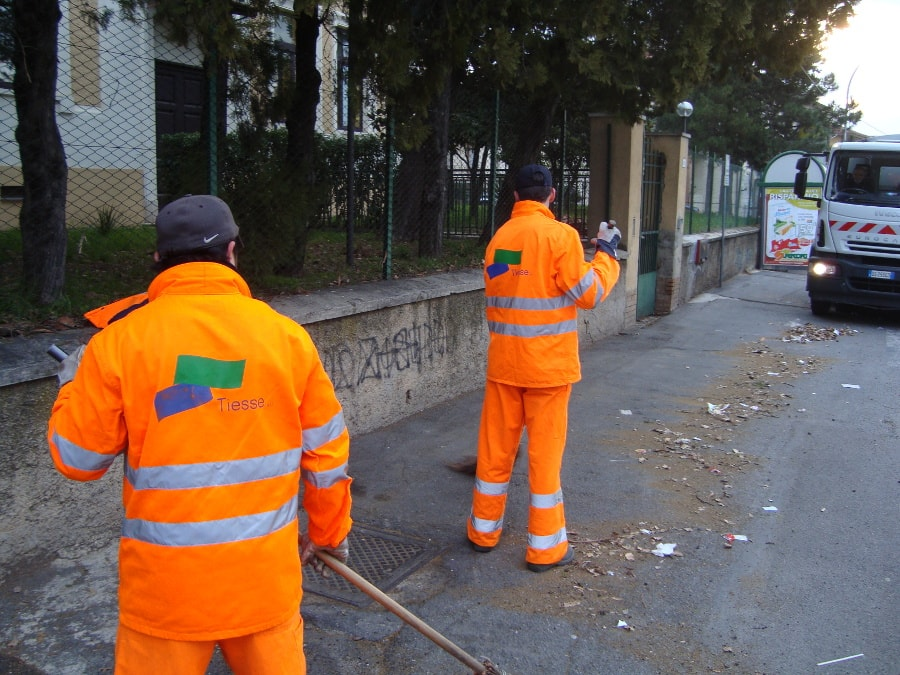 cleaning streets tiesse